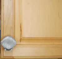 Scallop cabinet knob medium size 154-04